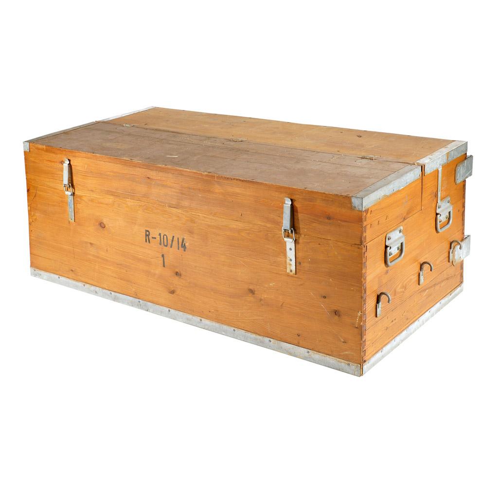 truhen sehr gro e schwere holztruhe 155x80x58cm obstkisten. Black Bedroom Furniture Sets. Home Design Ideas