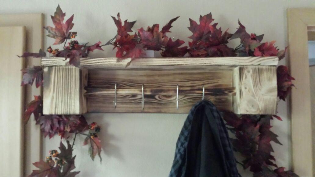 Mini-Garderobe aus geflammtem Eichenholz 67x16x13cm