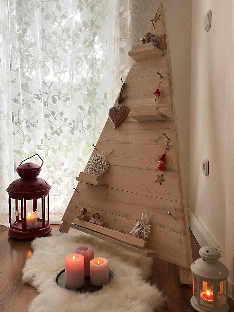 restposten m bel heller xxl weihnachtsbaum aus holz. Black Bedroom Furniture Sets. Home Design Ideas