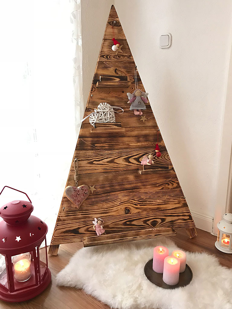 adventszeit geflammter xxl weihnachtsbaum aus holz 135x80cm obstkisten. Black Bedroom Furniture Sets. Home Design Ideas