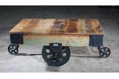 Vintage Rollpaletten-Couchtisch 110x73x46cm